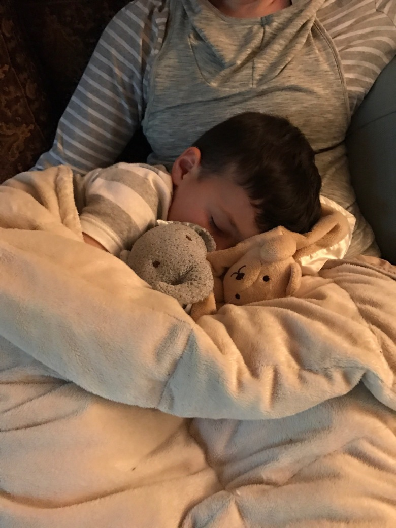 5 Tips for a better nights rest for everyone in the family! Tips you may not have considered #familysleep #toddler #sleepybabes